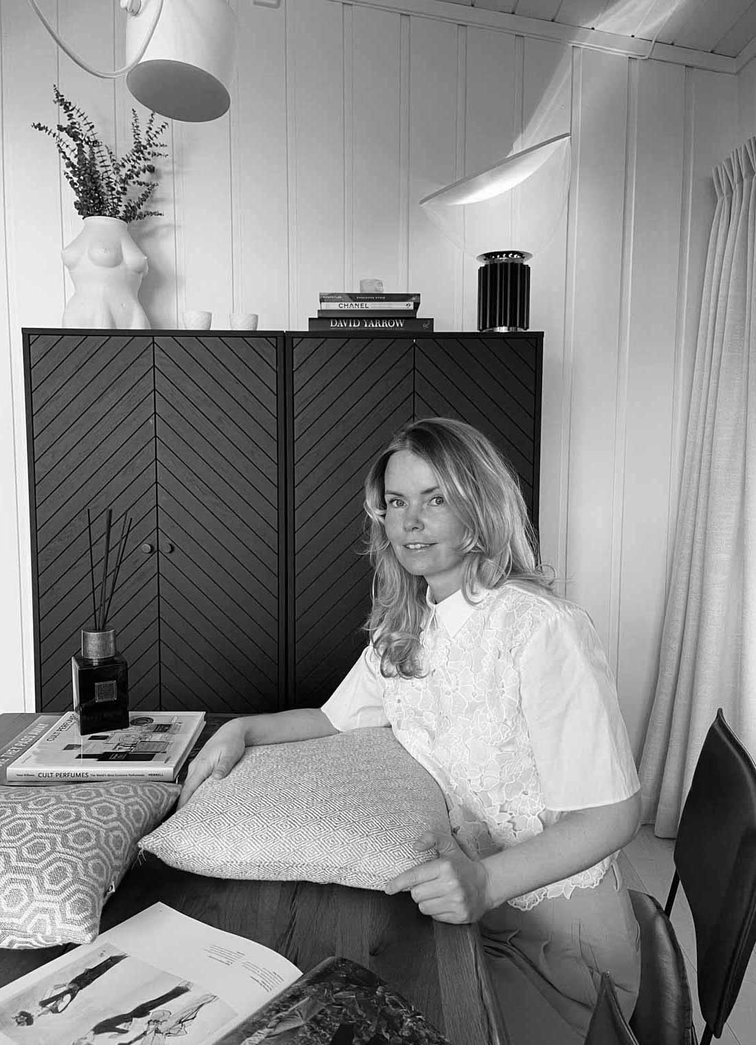 Portrett av Kristin Hansen-Øvre, Kreativt ansvarlig/Eier av OJ! Design & Interiør