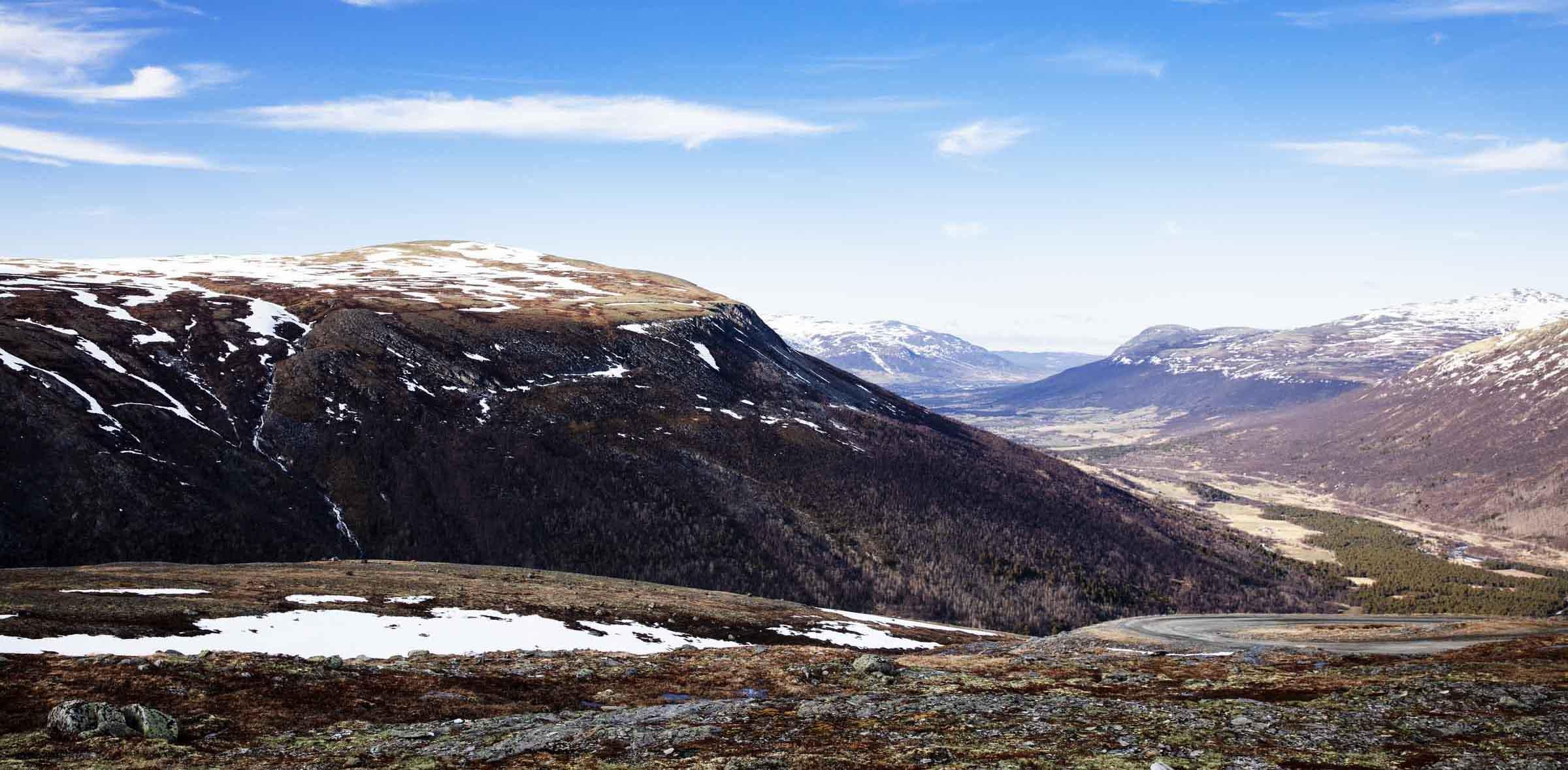 Et bilde av Sæterfjellet i Oppdal hvor Minera Skifer har sitt skiferbrudd.